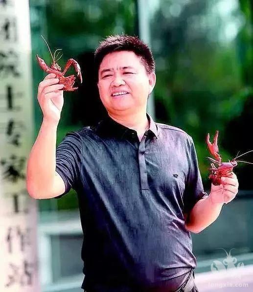 虾谷360官微报道: 陶忠虎:一片赤诚为虾忙!