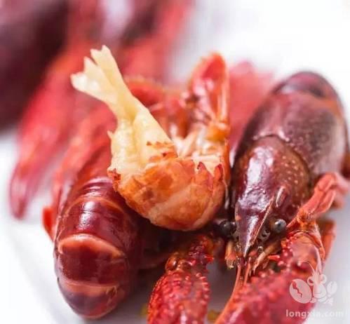 福建漳州首次空运出口鲜活小龙虾 100公斤小龙虾到国外