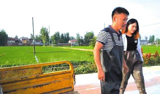 """""""小龙虾""""托起小康梦——记裕丰生态农业专业合作社理事长贺森林"""